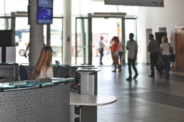 Semplifica la prenotazione dei desk con Office Hoteling software