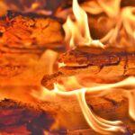 10 indispensabili accessori per la cottura al fuoco vivo